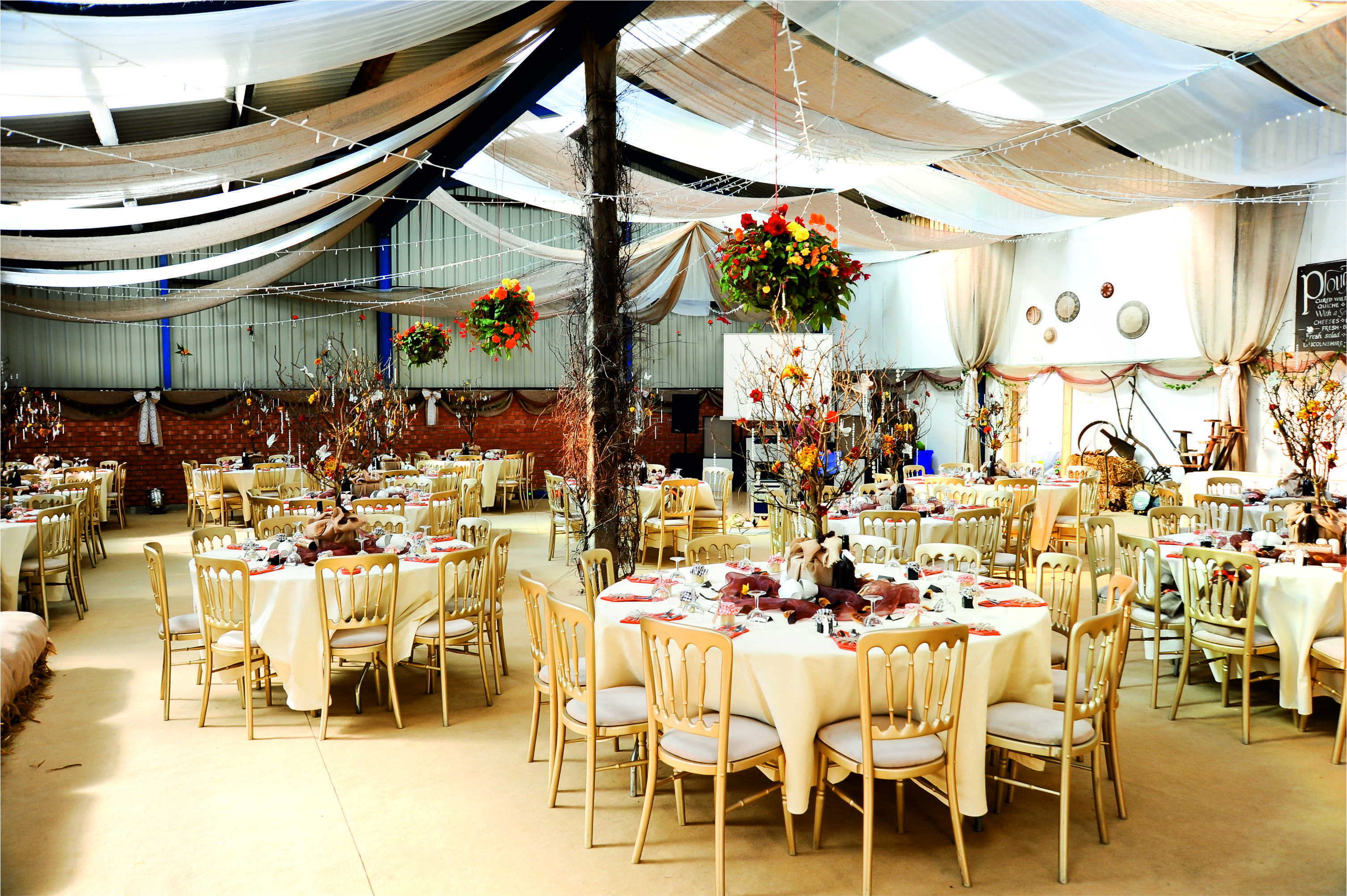Barn wedding reception wedding ideas pinterest for Wedding reception photo ideas