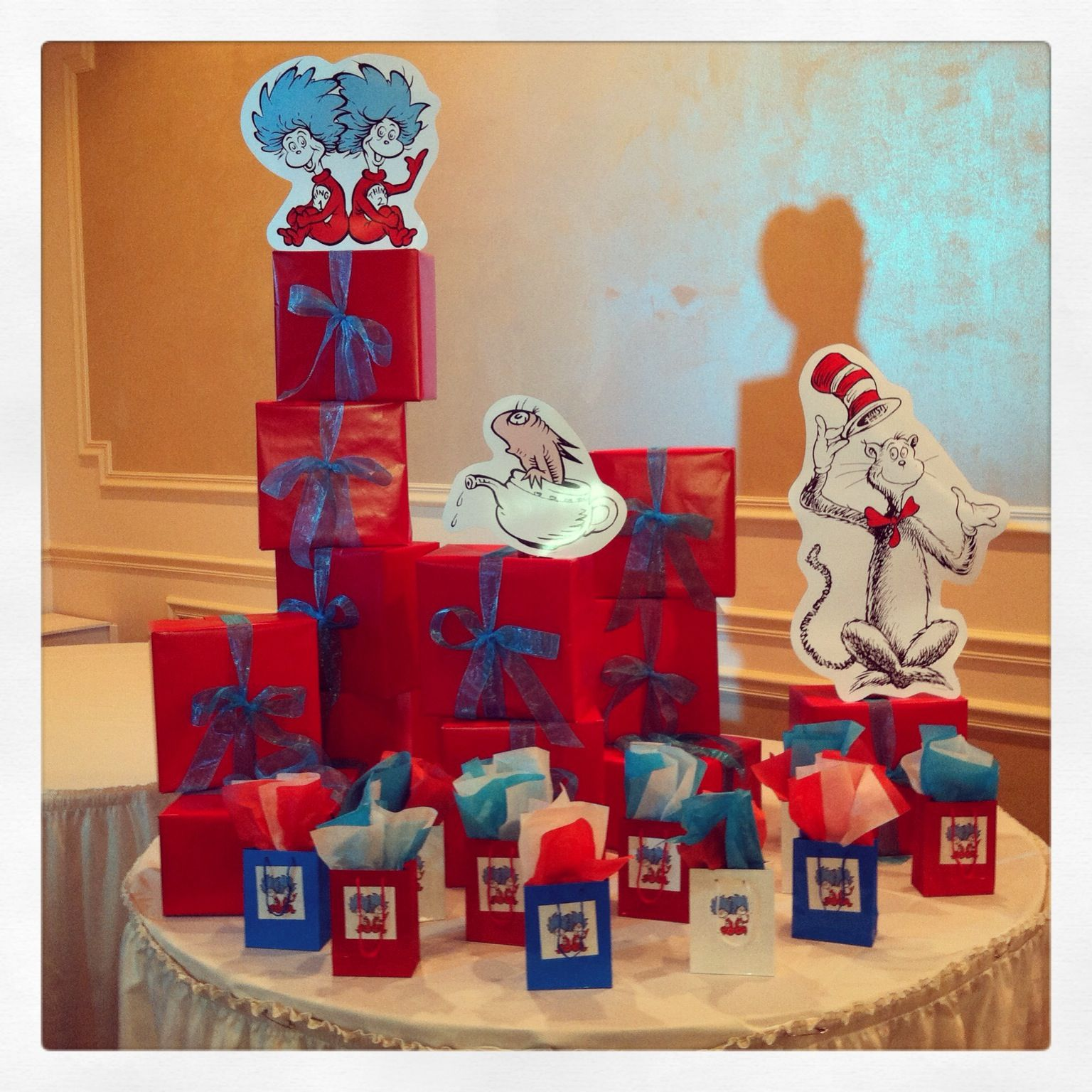 party favors dr seuss baby shower parties and events pinterest