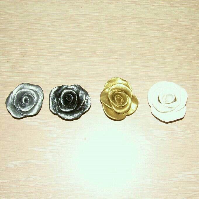 Primissime prove con la pasta di mais...farfalle e roselline 72694e36272d983357e6ea9ee1722d0b