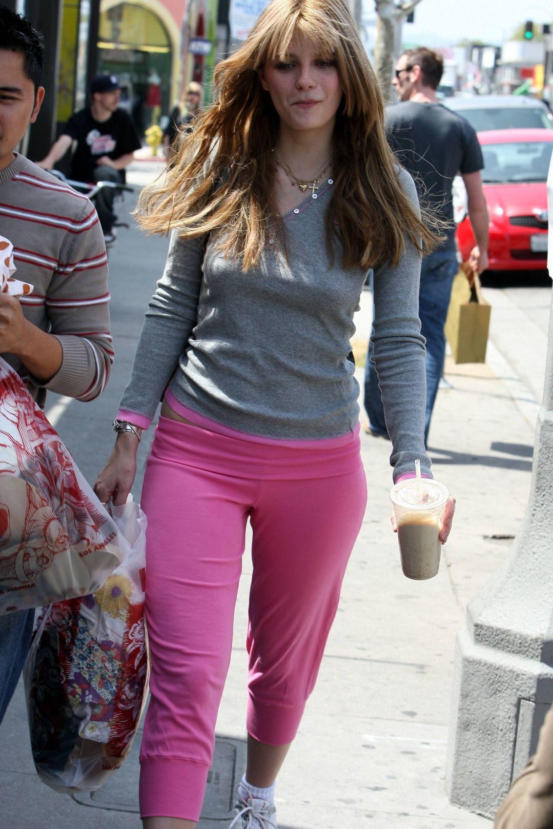 Mischa Barton smooth pants | Best Mischa Barton feet and ... Mischa Barton Facebook