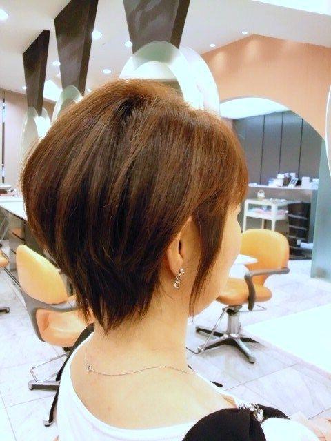 ショートヘア 40代 ストレート