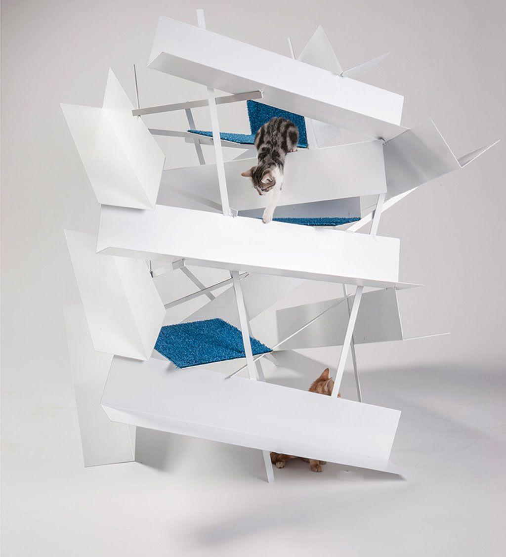Những chú mèo tha hồ leo trèo, vui chơi, thiết kế thêm giường ngủ nhỏ nhắn sang trọng