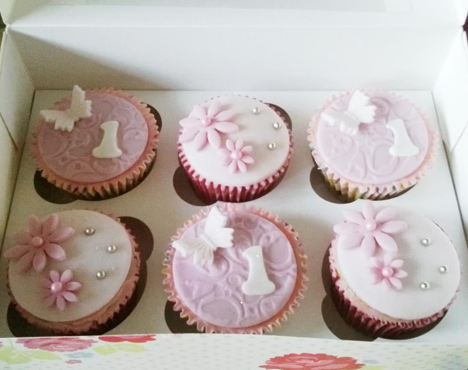 1st Birthday Girl Cupcakes cake decorating ideas for mum ...