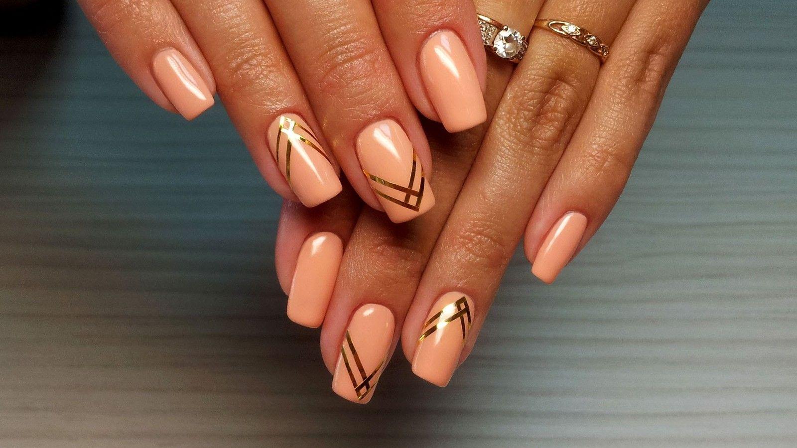 Дизайн ногтей гель лаком с лентой