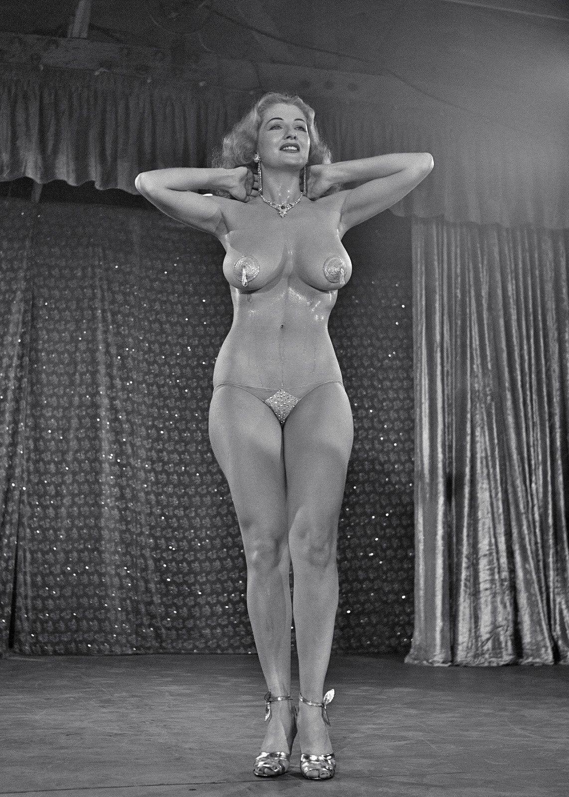 Burlesque stripper 1950s | Vintage Cool | Pinterest ...