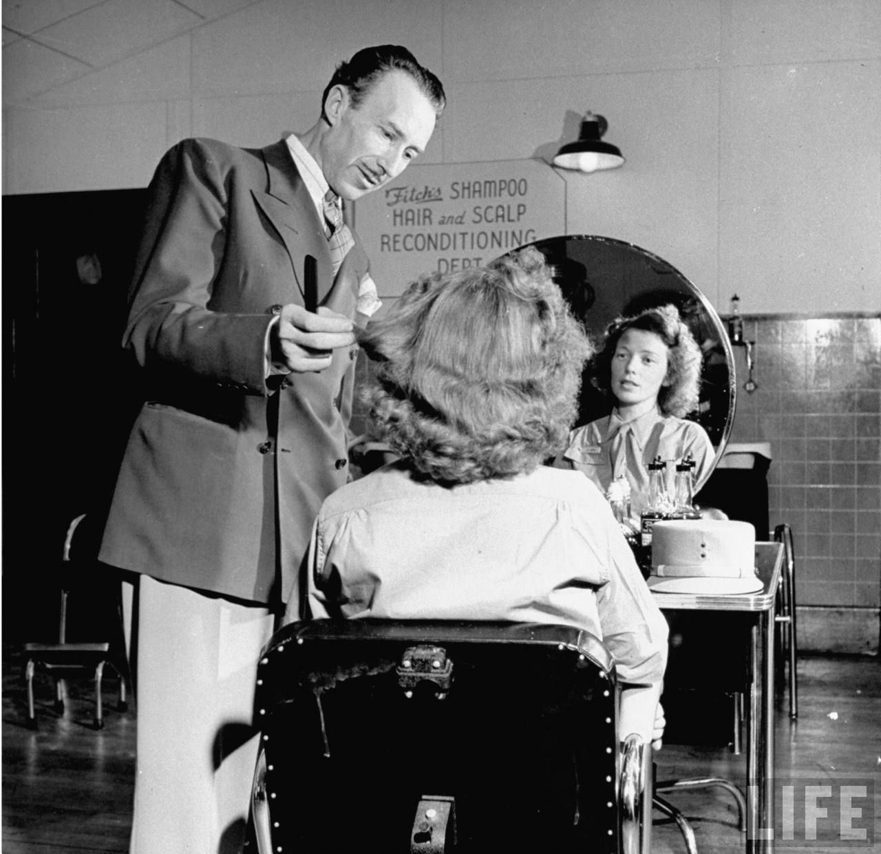 WAC Haircut, Fort Des Moines, 1942 | WWII | Pinterest