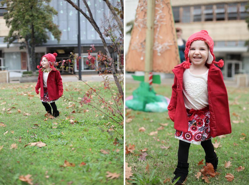 Outdoor Family Portrait Christmas Photo Shoot Ideas