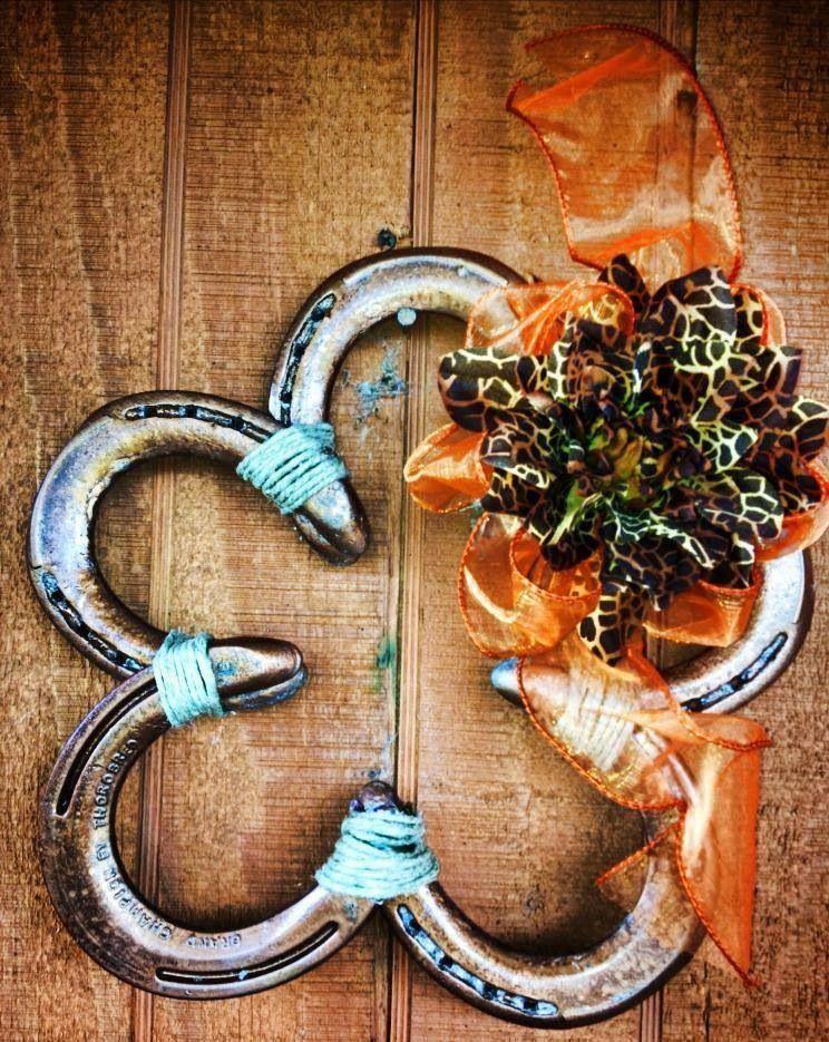 Horseshoe love horseshoe crafts pinterest for Horse shoe decorations