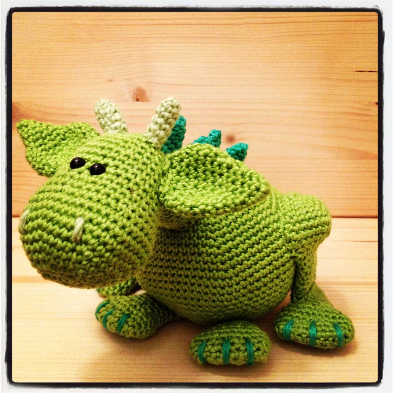 Crochet Dragon : Little dragon #crochet #dragon amigurumi Pinterest