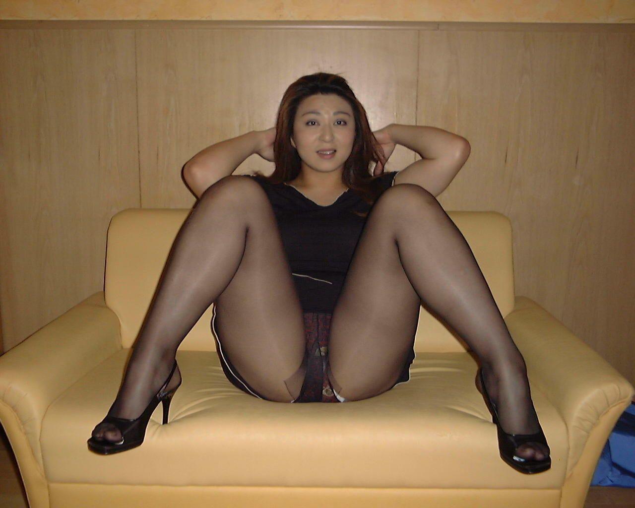 Порно Зрелые Азиатки В Колготках