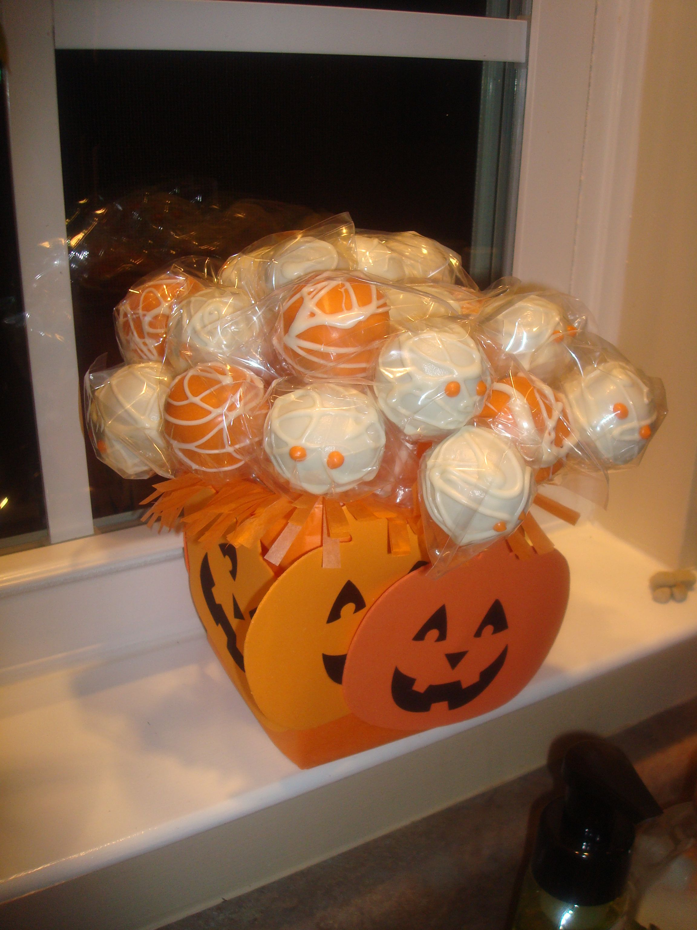 Halloween Cake Pops | recipes | Pinterest