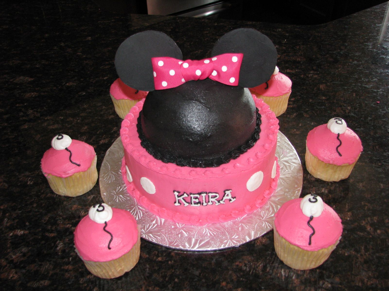 Minnie Mouse Cake My Cakes Pinterest