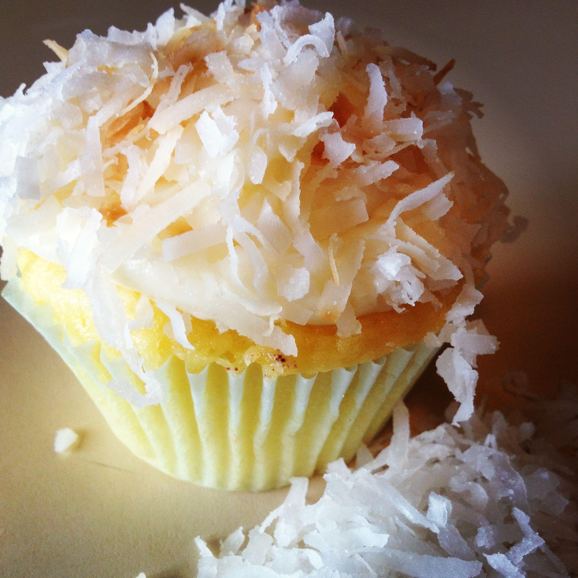 Coconut cream pie cupcake   Sweet Treats   Pinterest