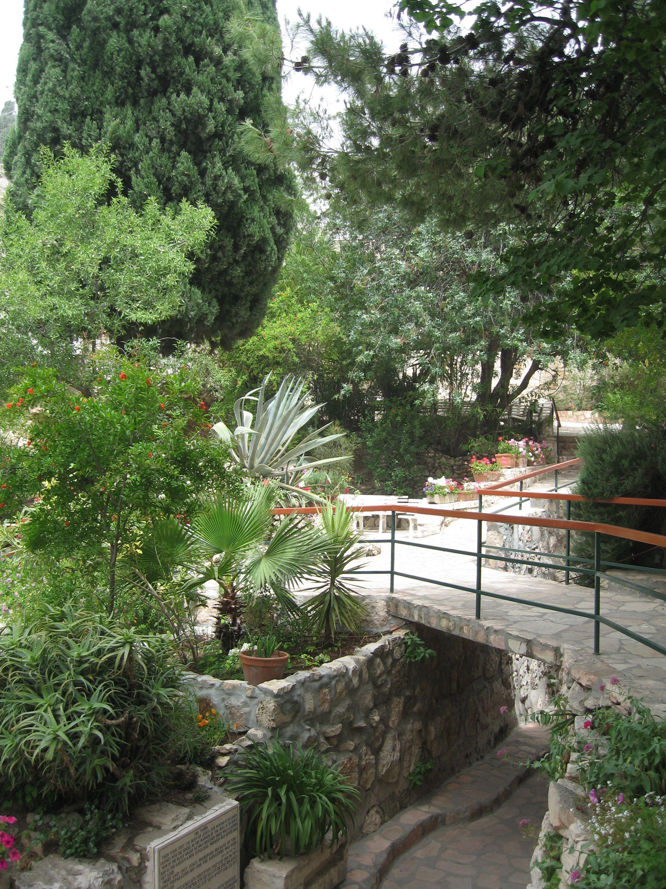 Landscape Empty Backyard : Garden of the Empty tomb of Jesus  PHOTO IMAGES  Pinterest