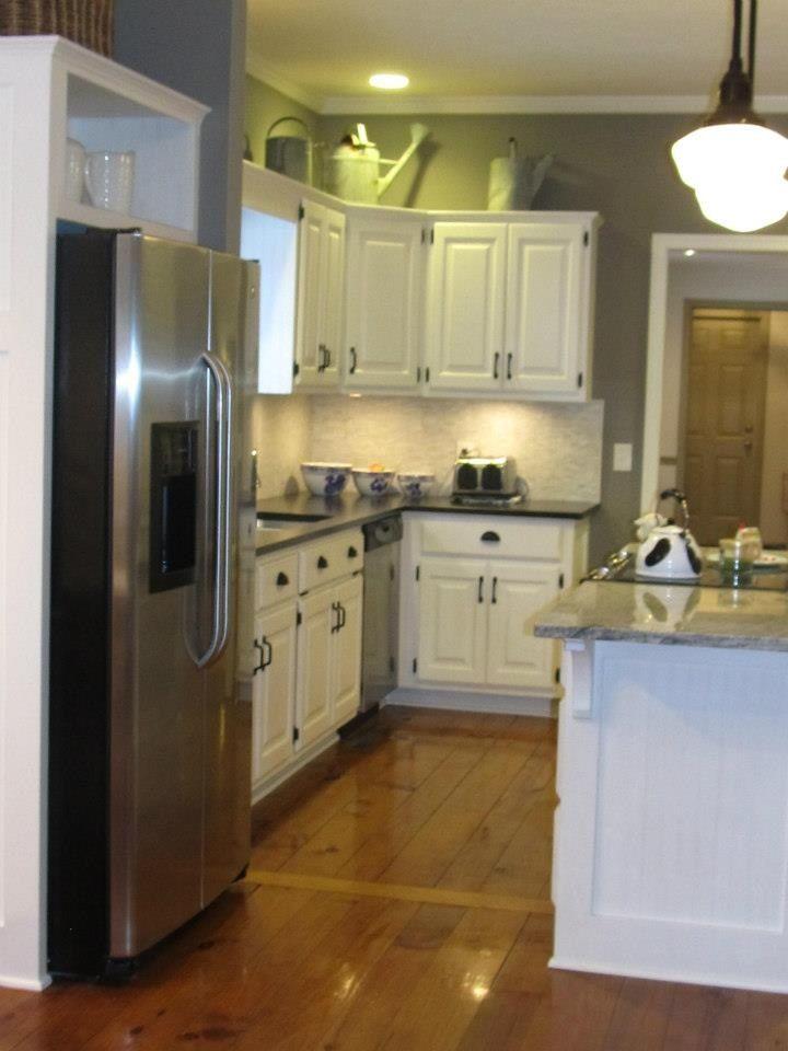 Annie sloan chalk paint cabinets kitchen remodel pinterest for Annie sloan painted kitchen cabinets