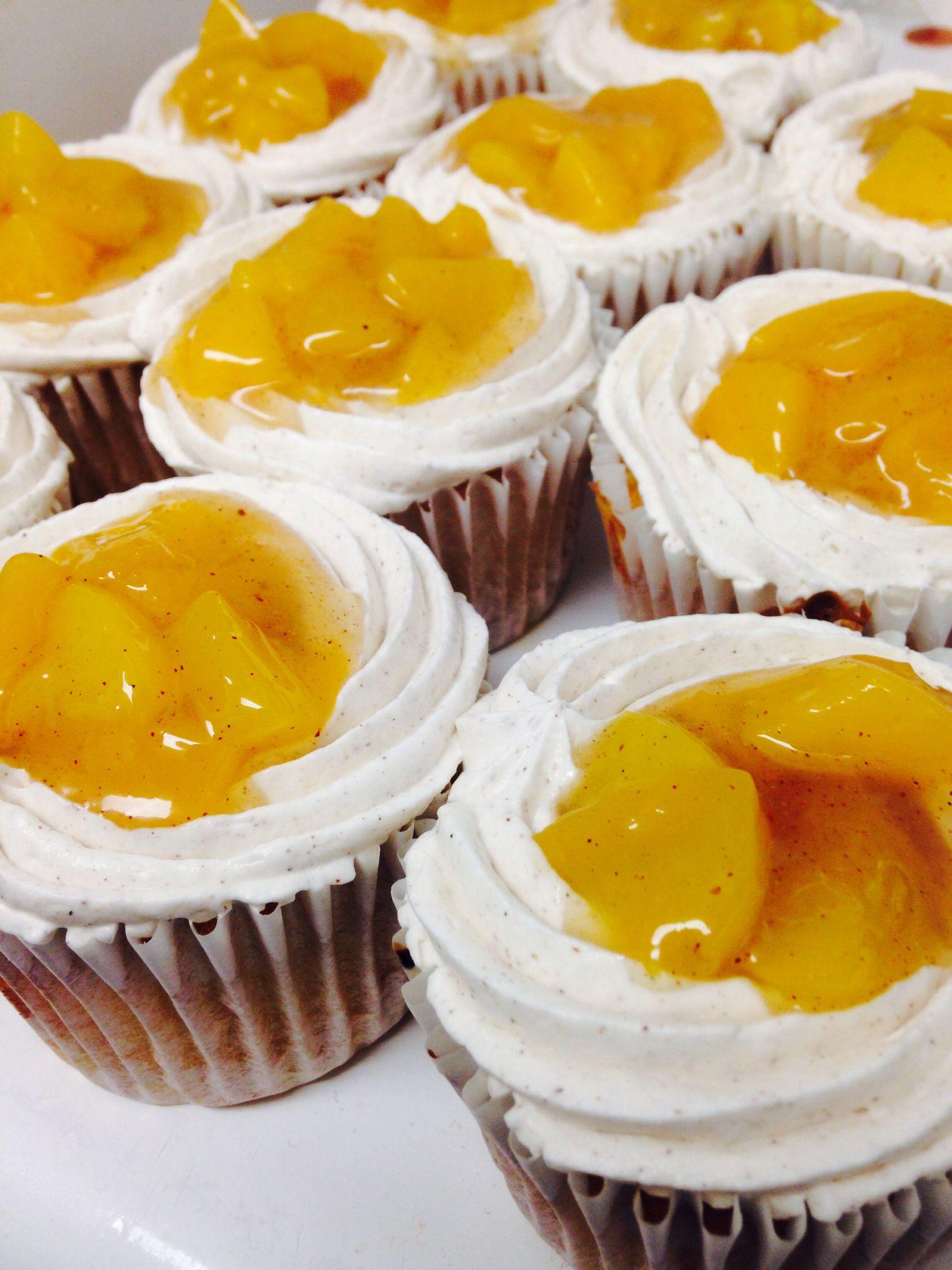 Peach cobbler cupcakes | Cake-y | Pinterest