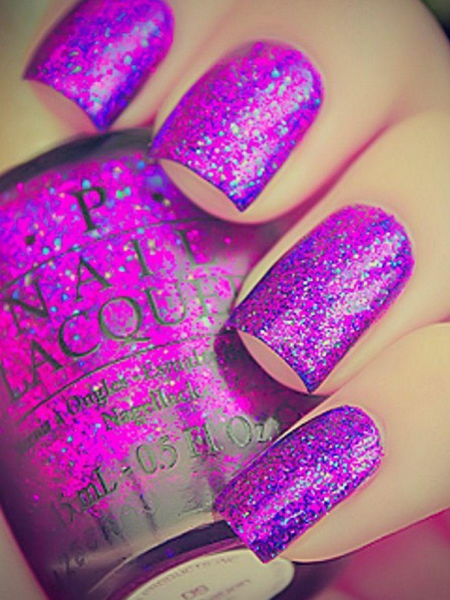 Дизайн ногтей розового цвета с блестками