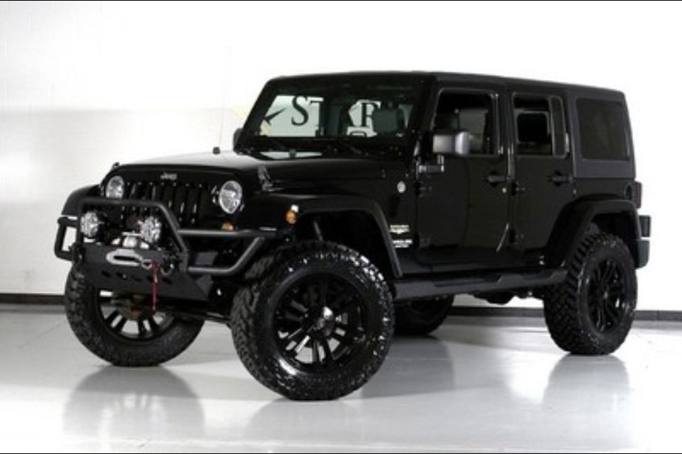 Jeep Wrangler Sahara Beefed Up Jeepers Creepers Pinterest