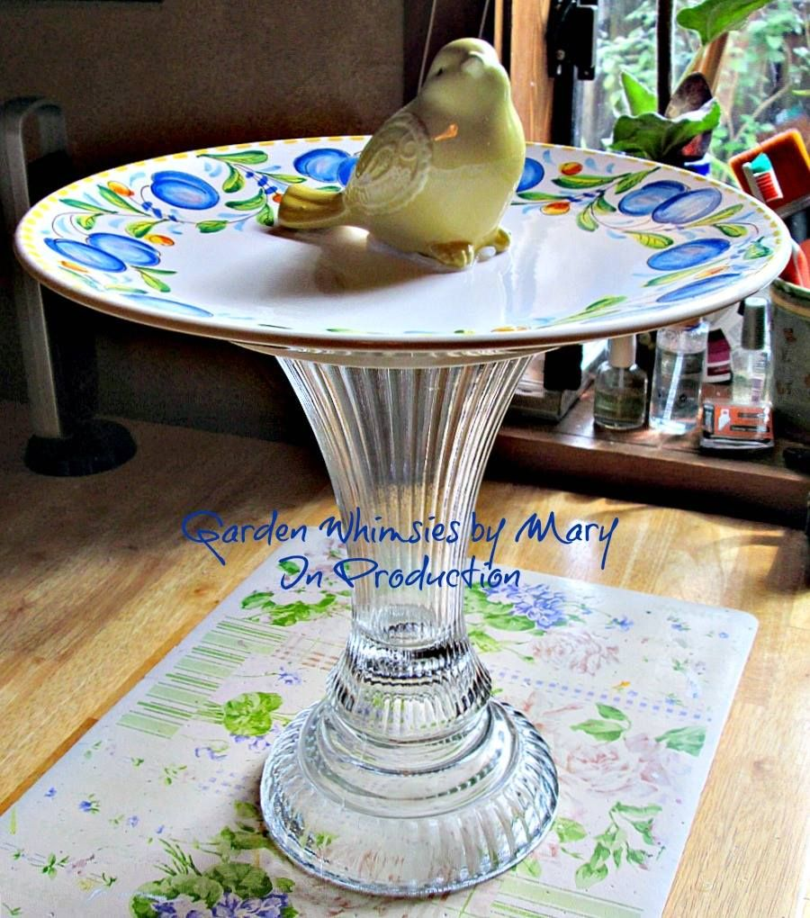 Uses for old plates and vases crafts pinterest for Craft ideas for old dishes