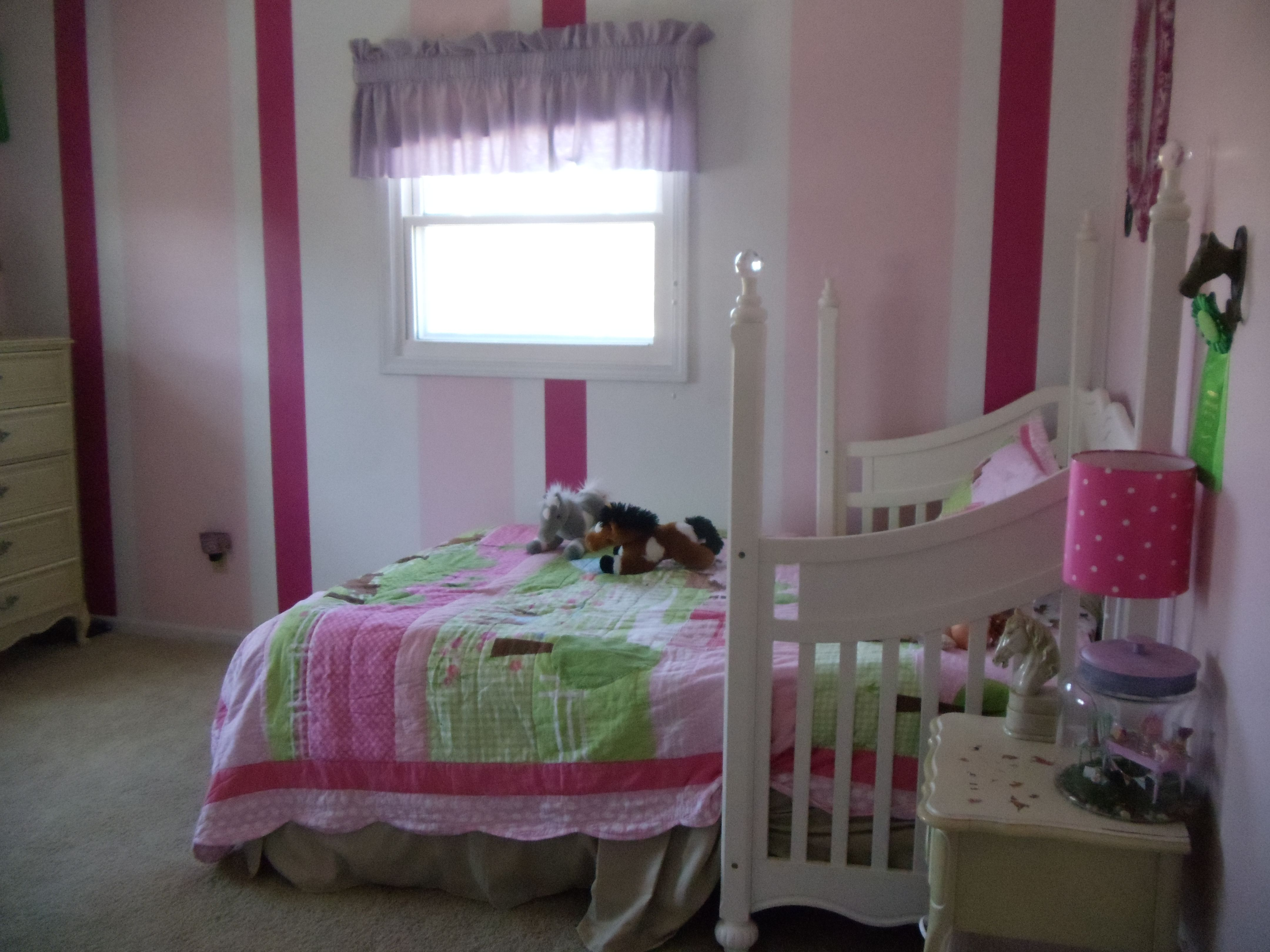 my daughter 39 s pink horse themed bedroom my photos my life pinter