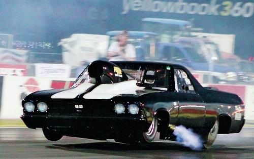 F E C D B E F D F in addition A Visual Guide To The Chevrolet Camaros  ing Of Age Photo Gallery likewise Hubert Platt Pinto Pomona X also Time Capsule S Pro Stock Drag Racing Of together with Fb Ea E Fddef Bf D D King Richard Richard Petty. on 1970 pro stock drag racing cars