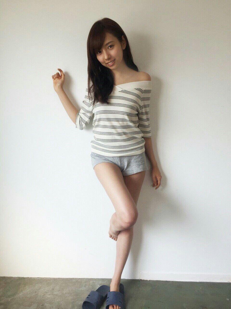 新内眞衣の画像 p1_38