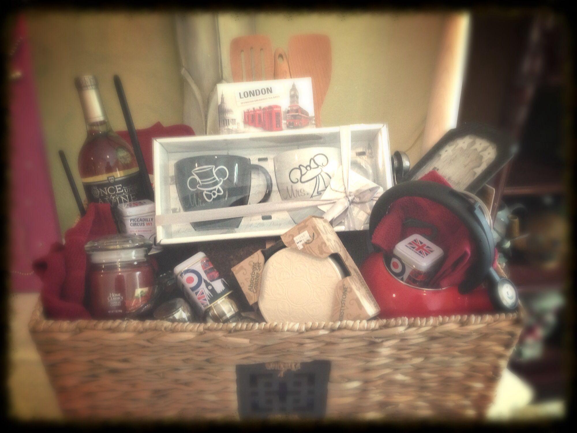 Bridal shower gift basket DIY & Crafts that I love Pinterest