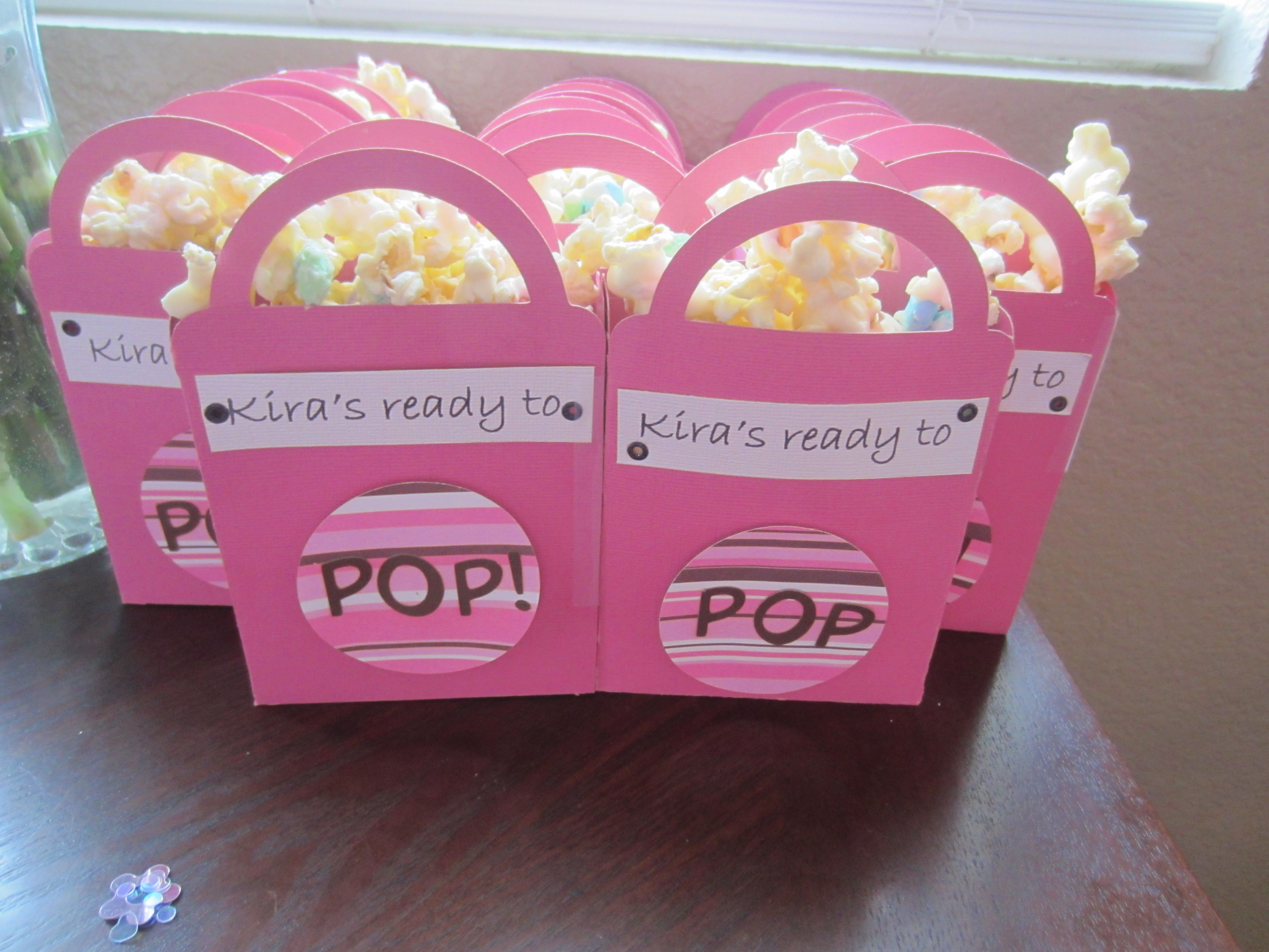 Baby Gift Ideas Using Cricut : Baby shower favors using cricut crafts