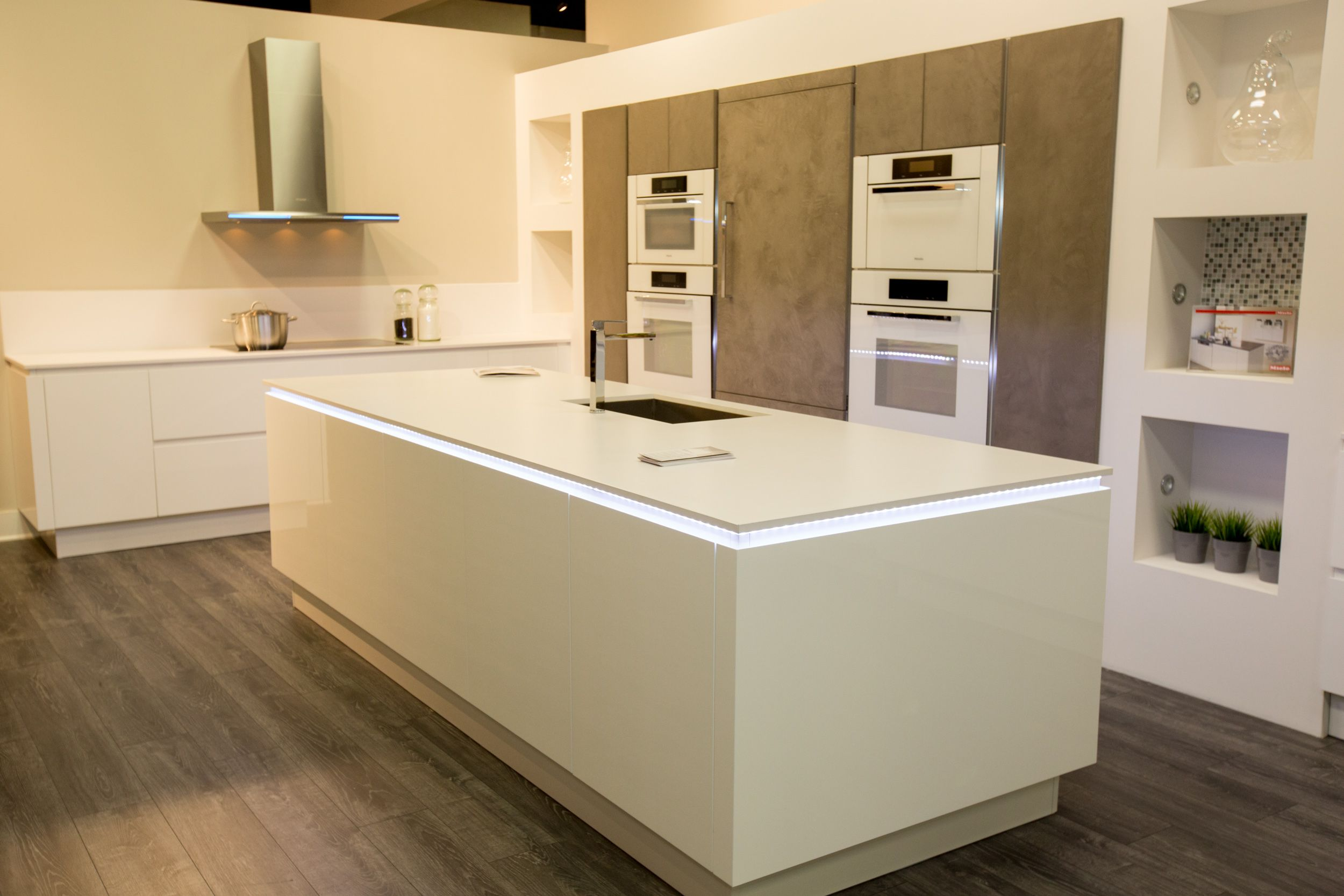 Miele kitchen dream kitchen pinterest for Miele küchen