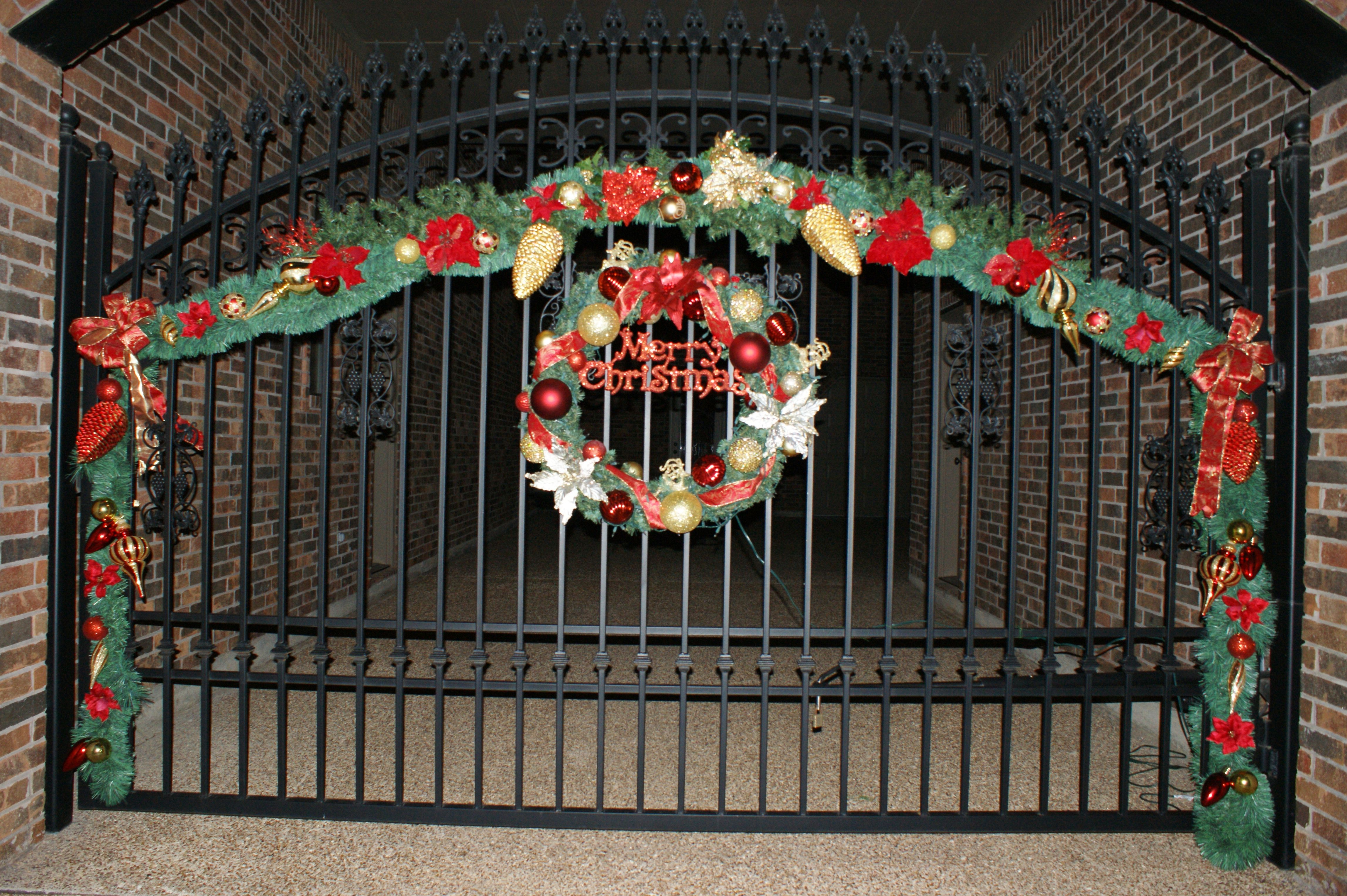 Christmas Decoration Design Pictures : Christmas gate decor decorations by lisa