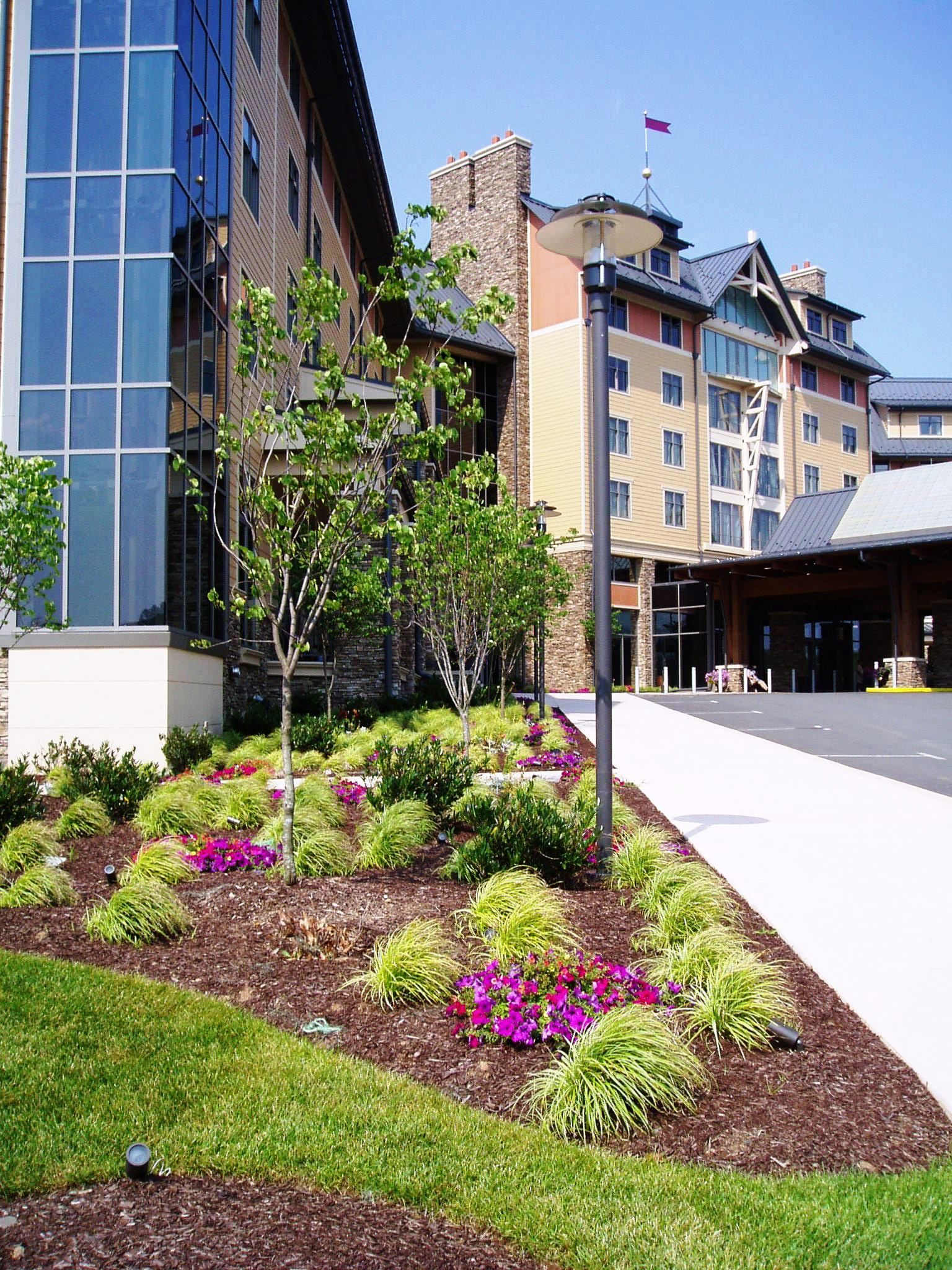 Commercial landscape maintenance landscaping ideas for Commercial landscape maintenance