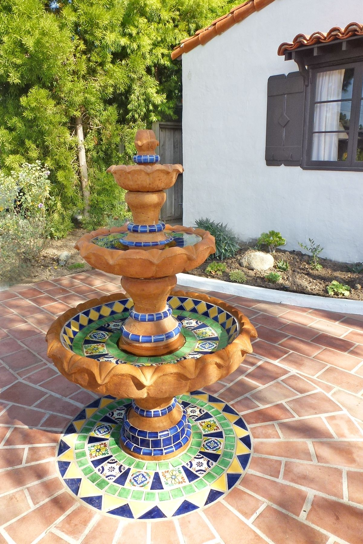21 simple spanish style outdoor fountains