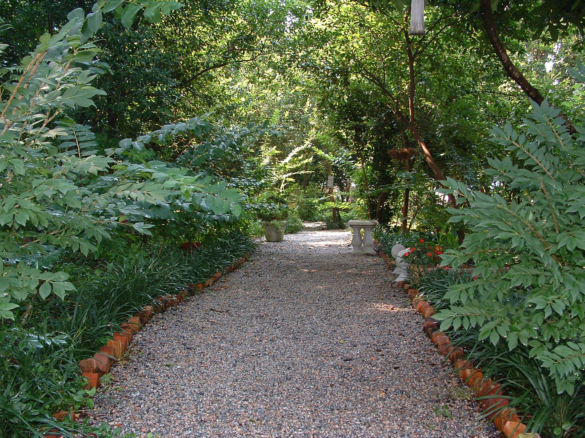 Pin by bonnie park on garden paths and walkways pinterest for Garden path