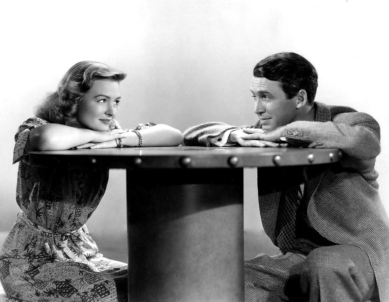 Jimmy Stewart And Donna Reed For It S A Wonderful Life Christmas Movies Pinterest