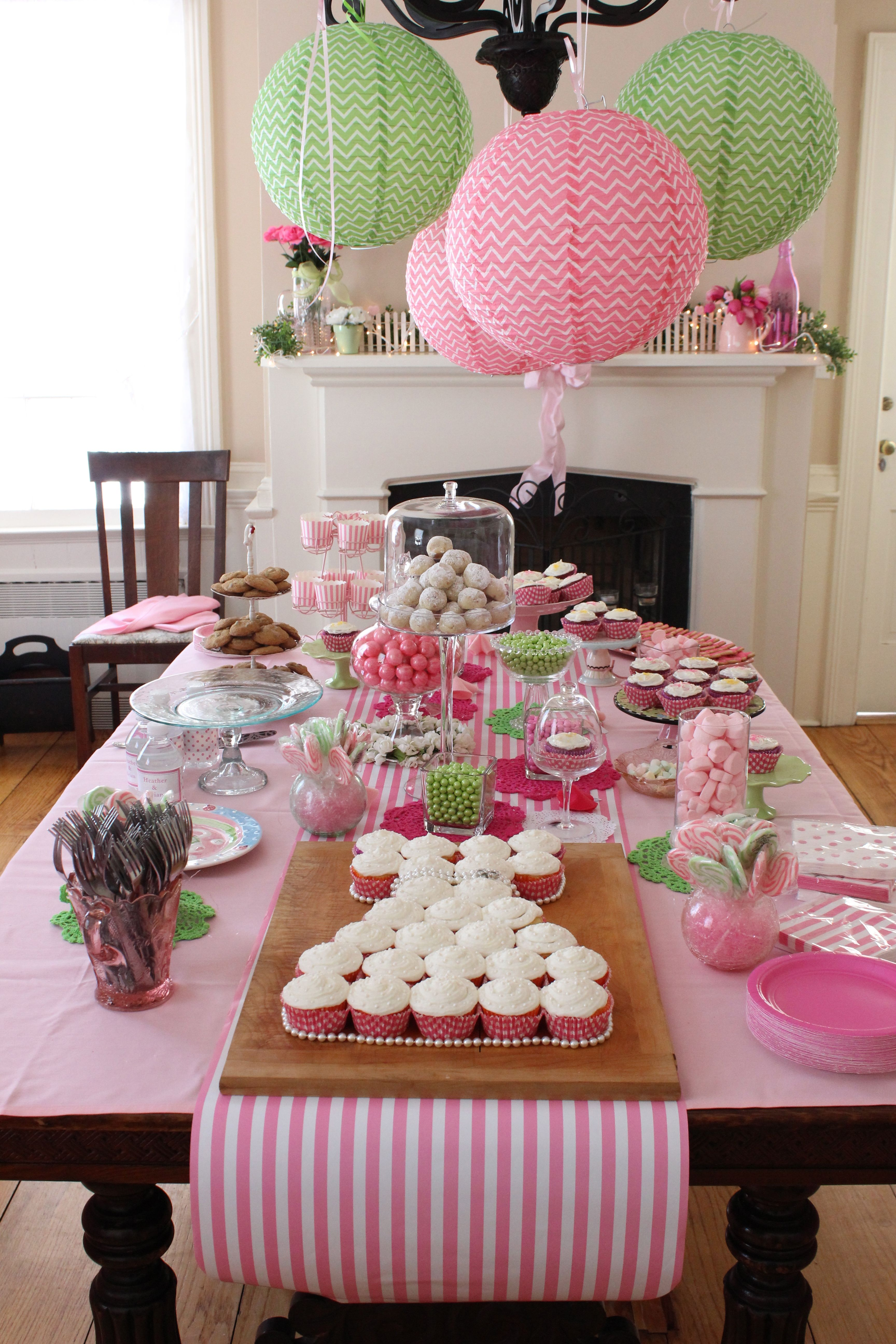Bridal shower table decor table decorations pinterest Bridal shower table decorations