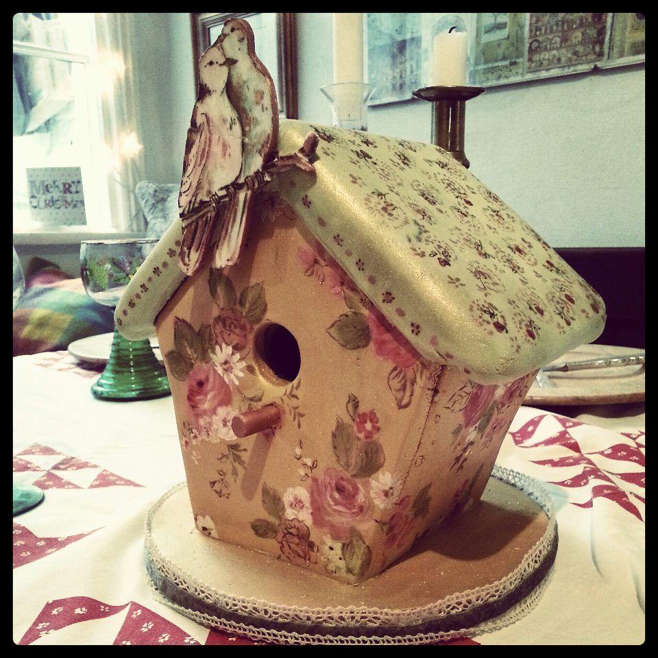 Nevie-Pie Cakes....gingerbread birdhouse | Amazing ... - photo#9