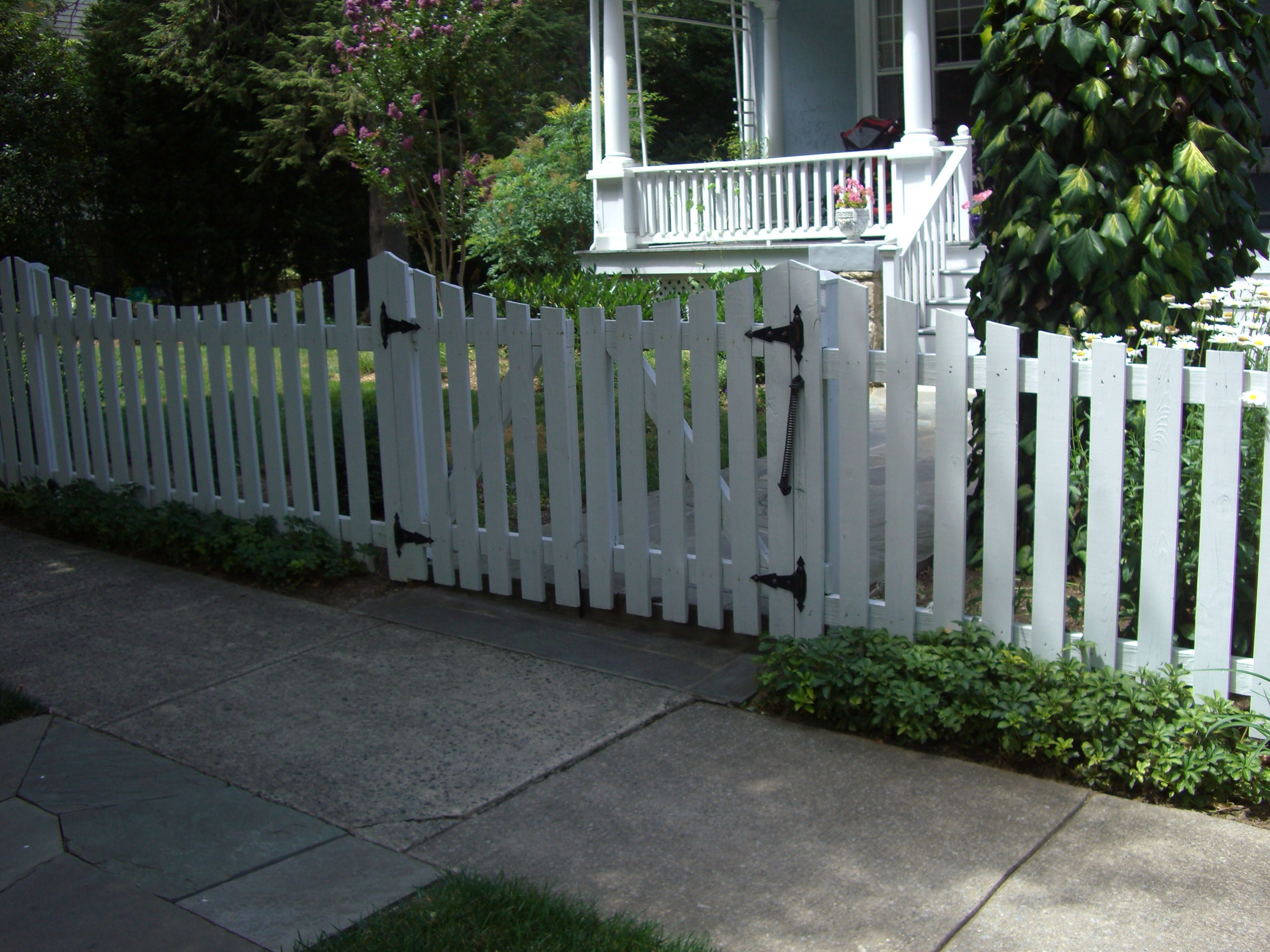 white picket fence with double gate gates fences. Black Bedroom Furniture Sets. Home Design Ideas