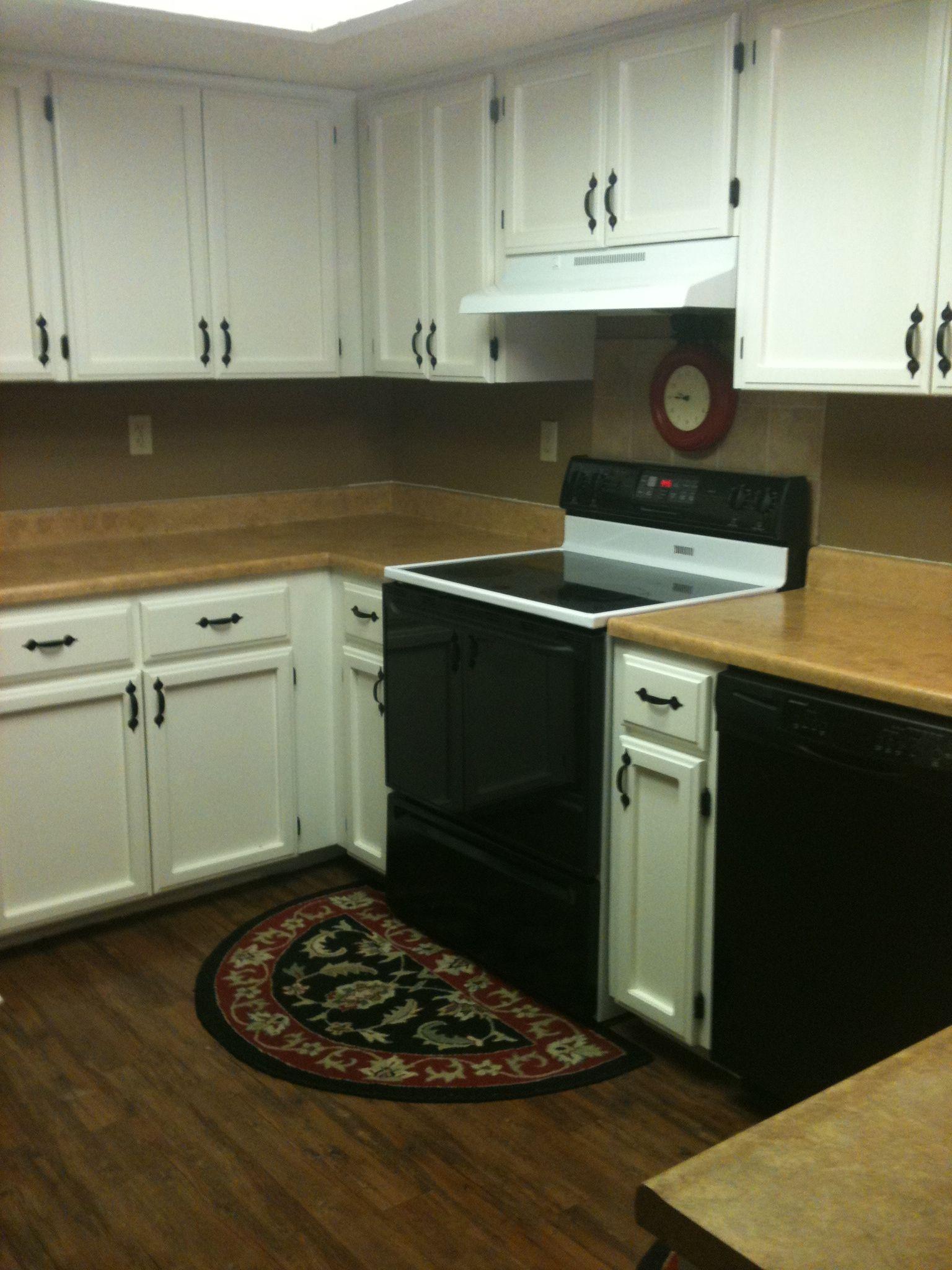 White cabinets kitchens pinterest for White kitchen cabinets pinterest