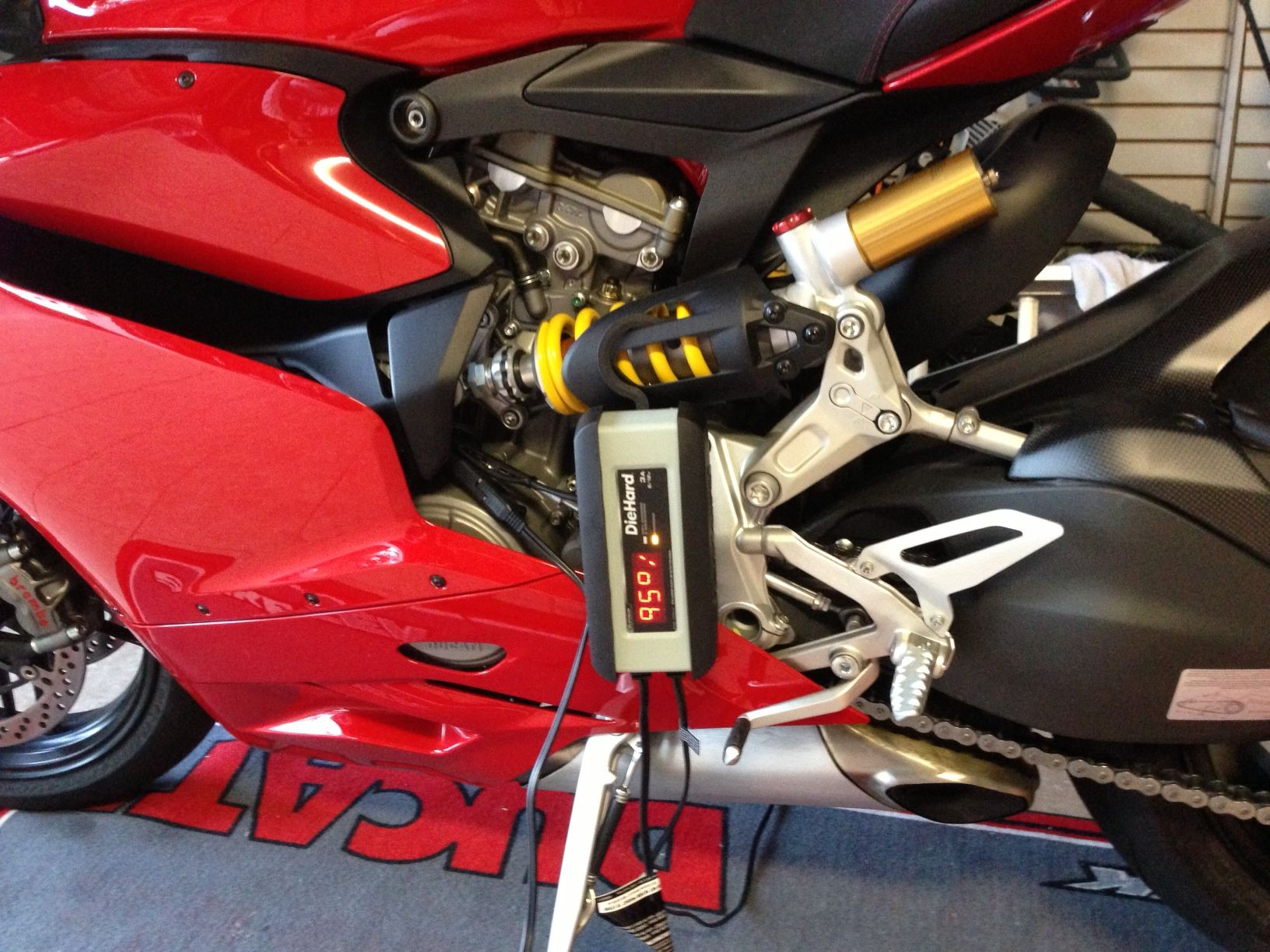 Ducati Battery Maintainer A