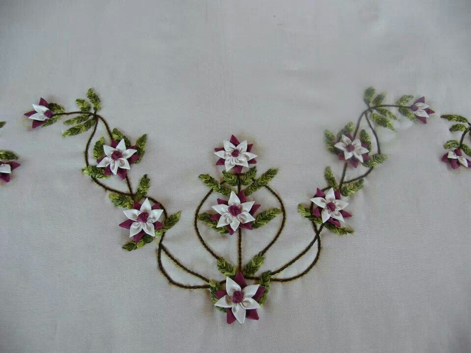 Simple style ribbon embroidery and work flowers