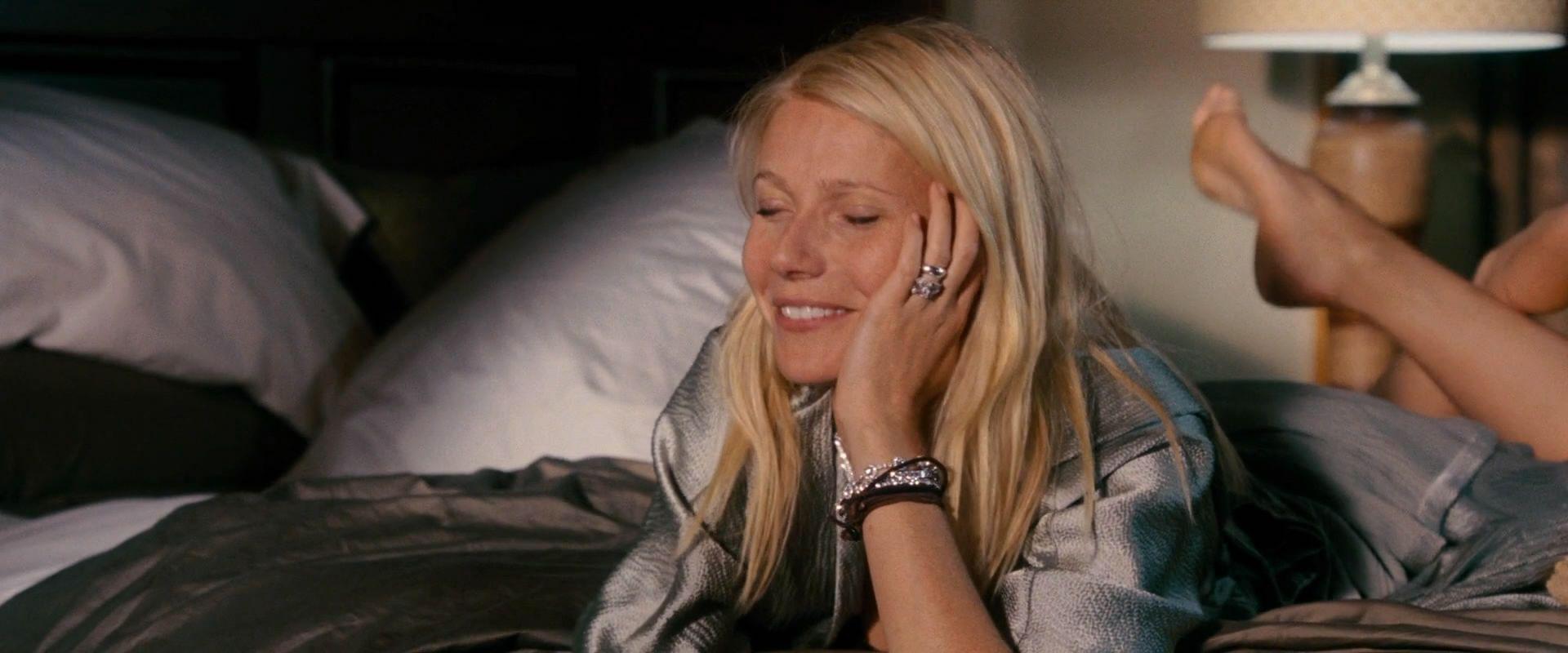 Gwyneth Paltrow | Celebrities in the Pose | Pinterest Gwyneth Paltrow