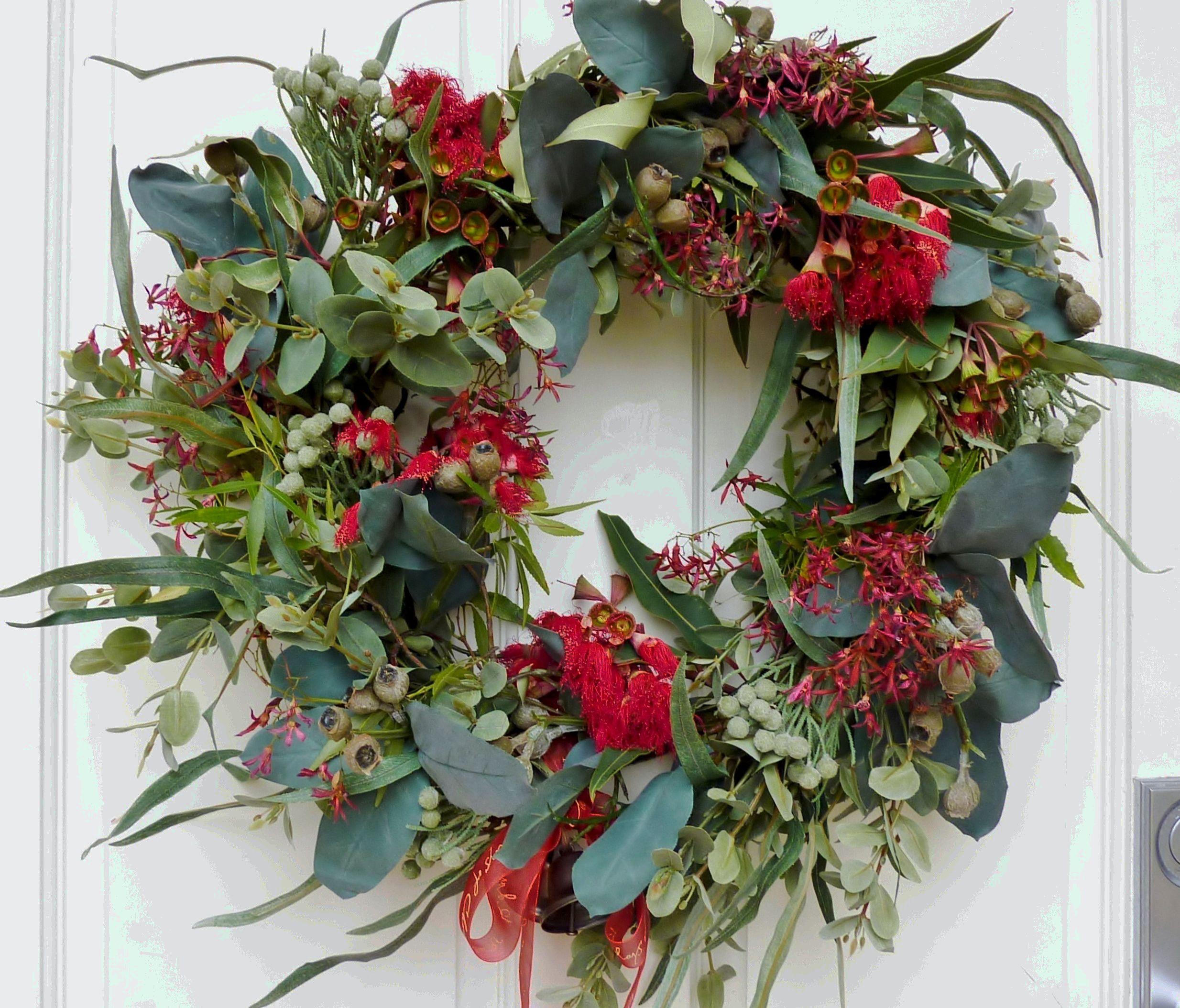 Gum blossom wreath christmas australian style pinterest for Australian christmas decoration ideas
