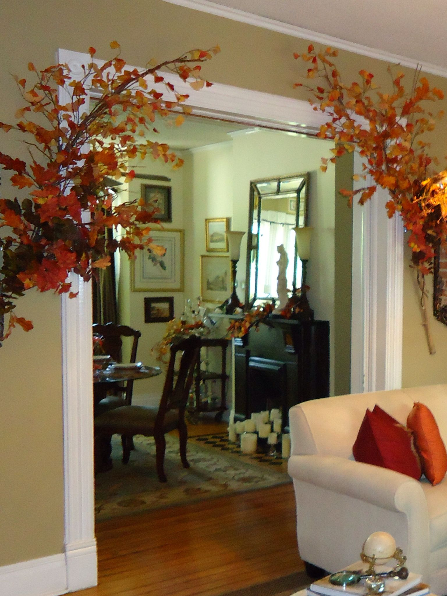 Dining room fall decor fall decor pinterest for Decorate my dining room