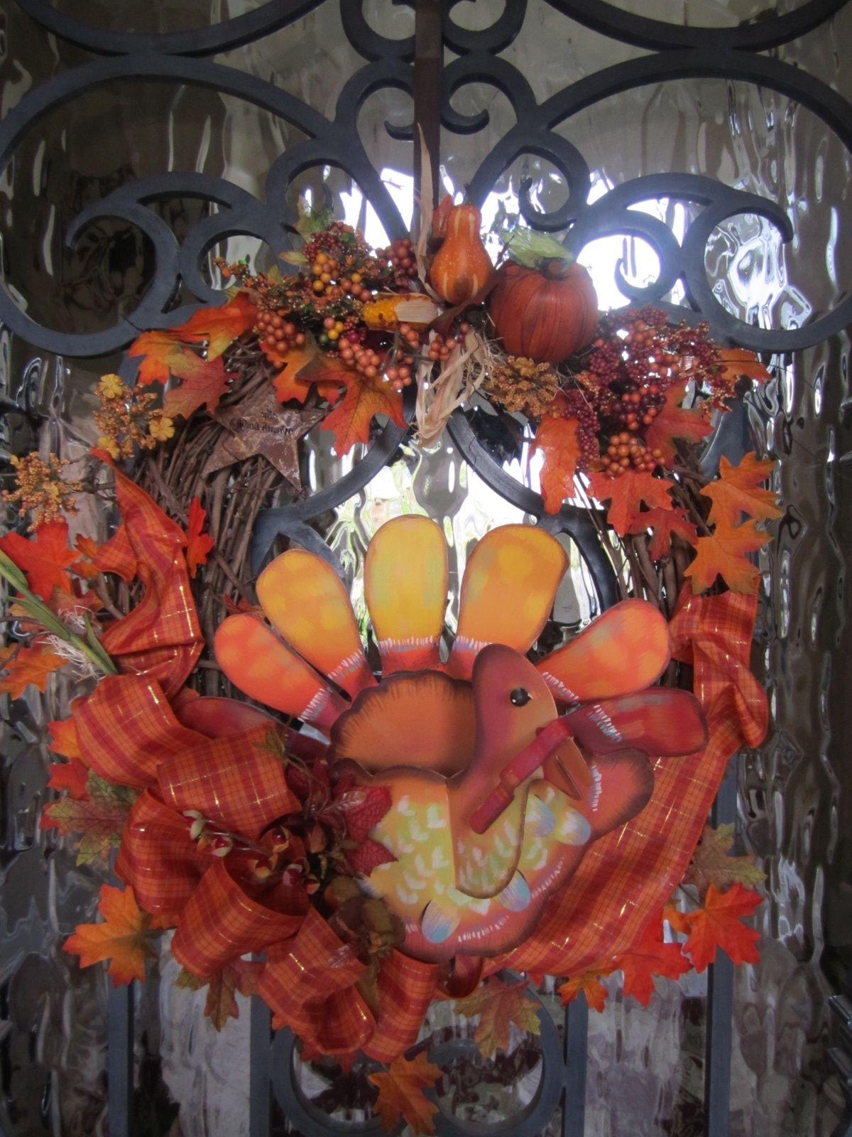 Thanksgiving wreath home decor pinterest for Thanksgiving home decorations pinterest