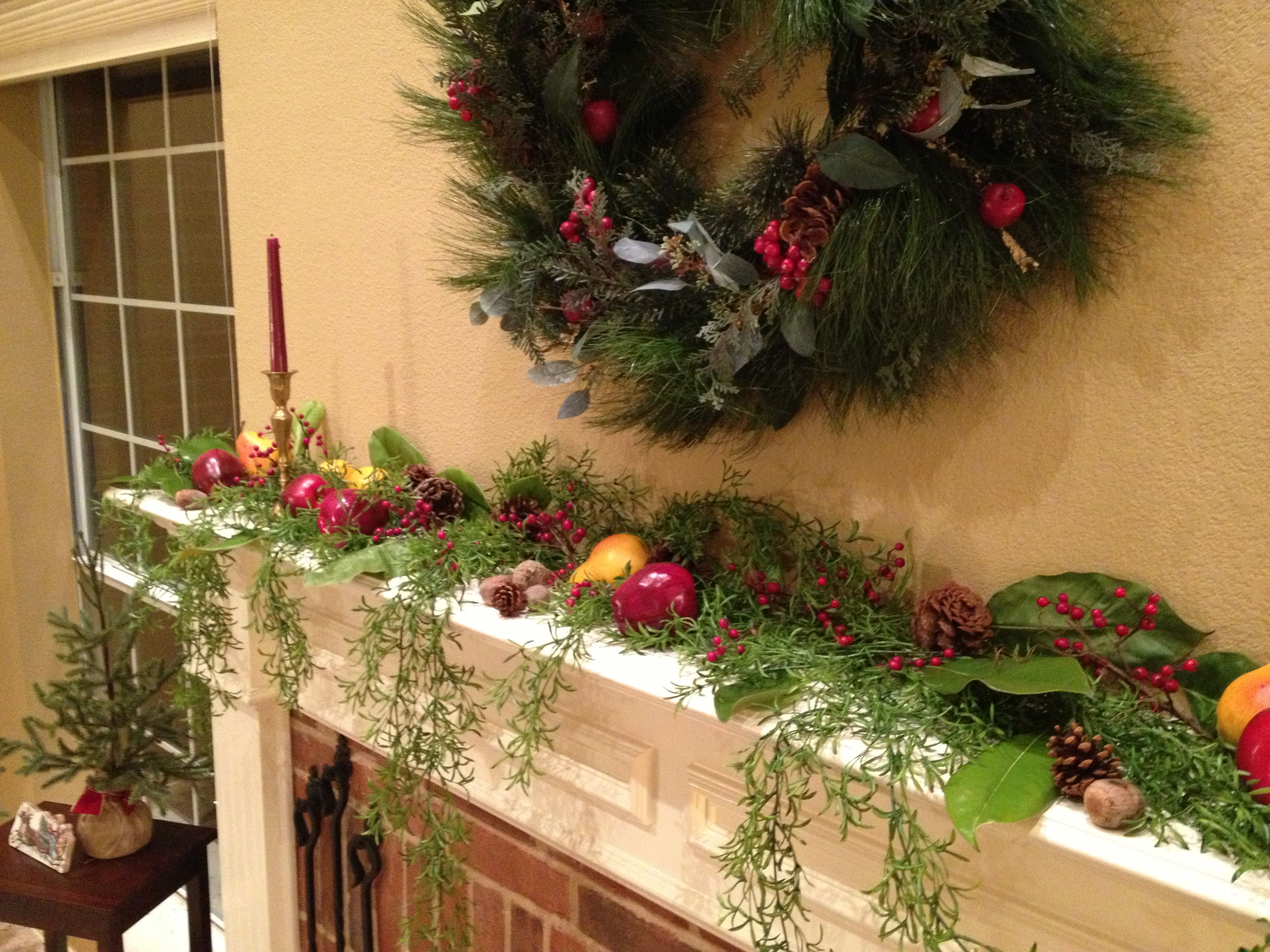 Colonial style christmas mantel colonial early american for American decoration
