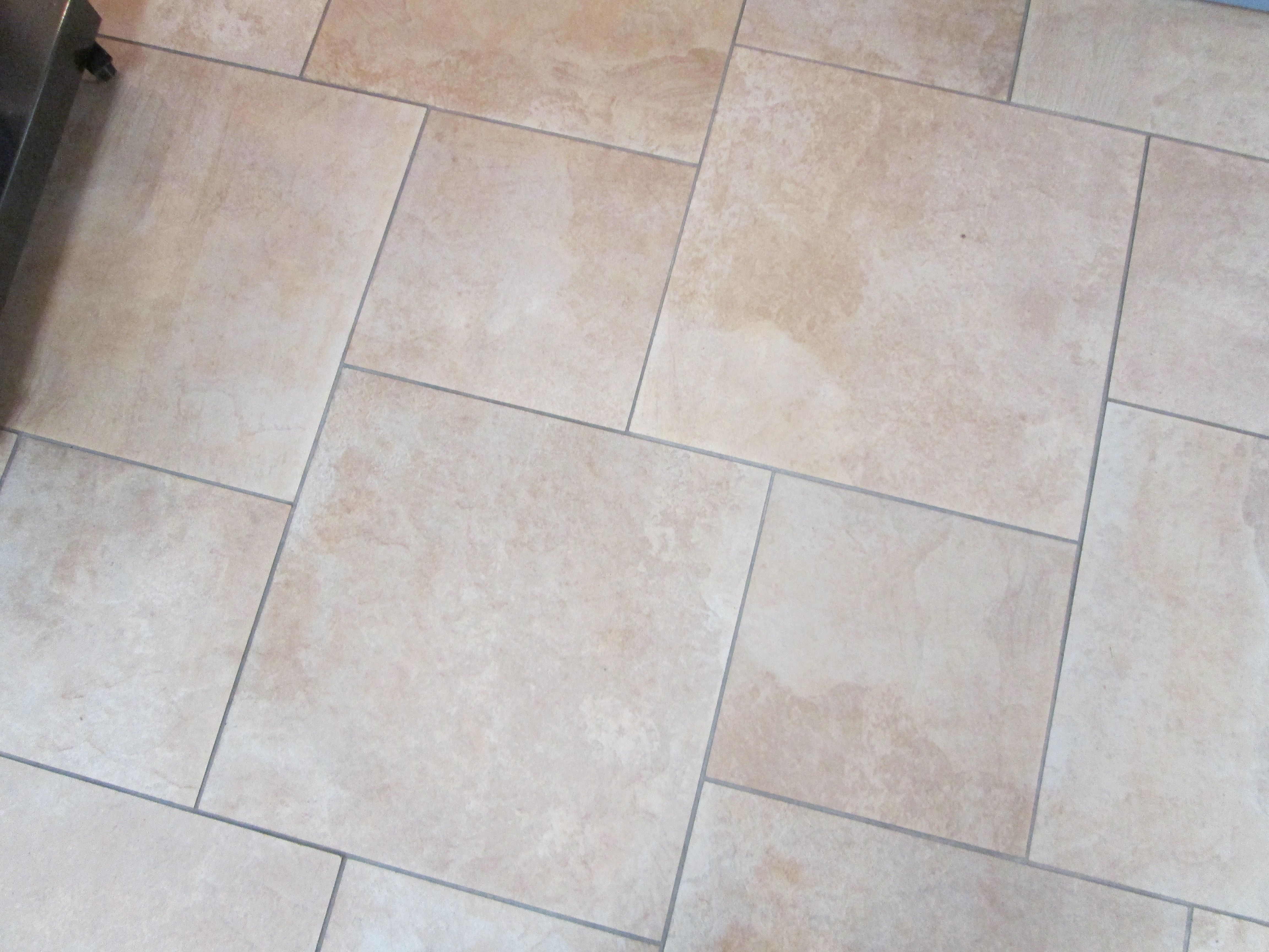 Interlocking ceramic tiles
