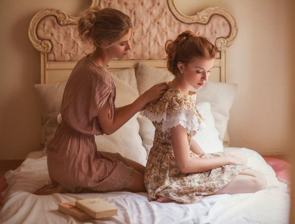 Vintage, 'Sisterhood' /Alba Soler