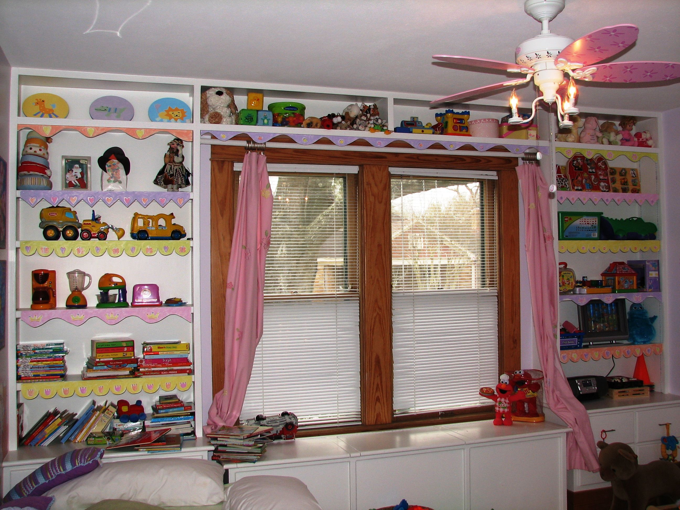 Kitchen Window Shelf 818ae81a75a3c3bd94b5cfe11dedb047jpg