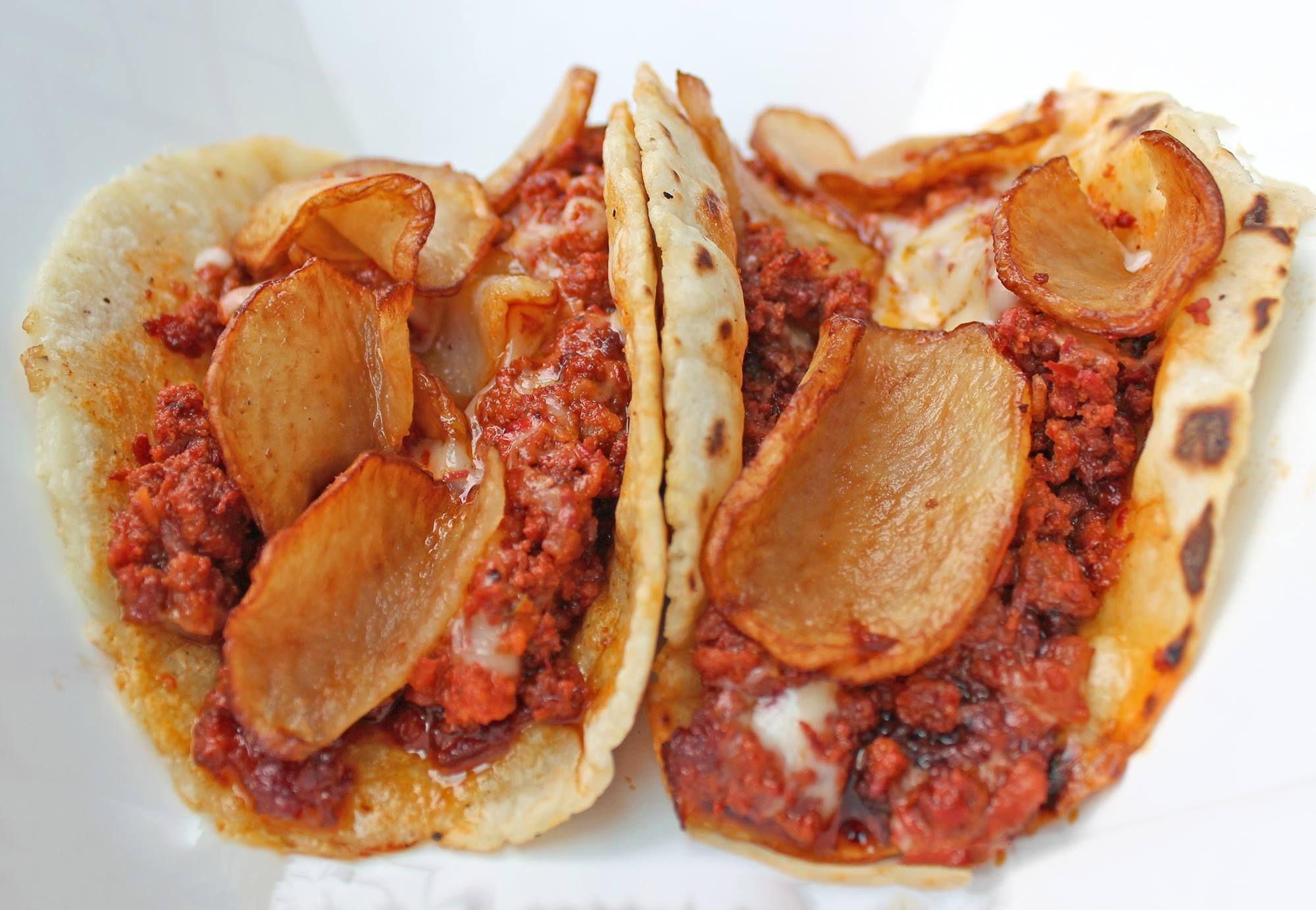 Tacos de choriqueso con papa | Gastronomia Mexicana | Pinterest