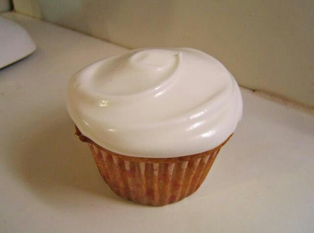 Marshmallow frosting. | Dessert Recipes | Pinterest